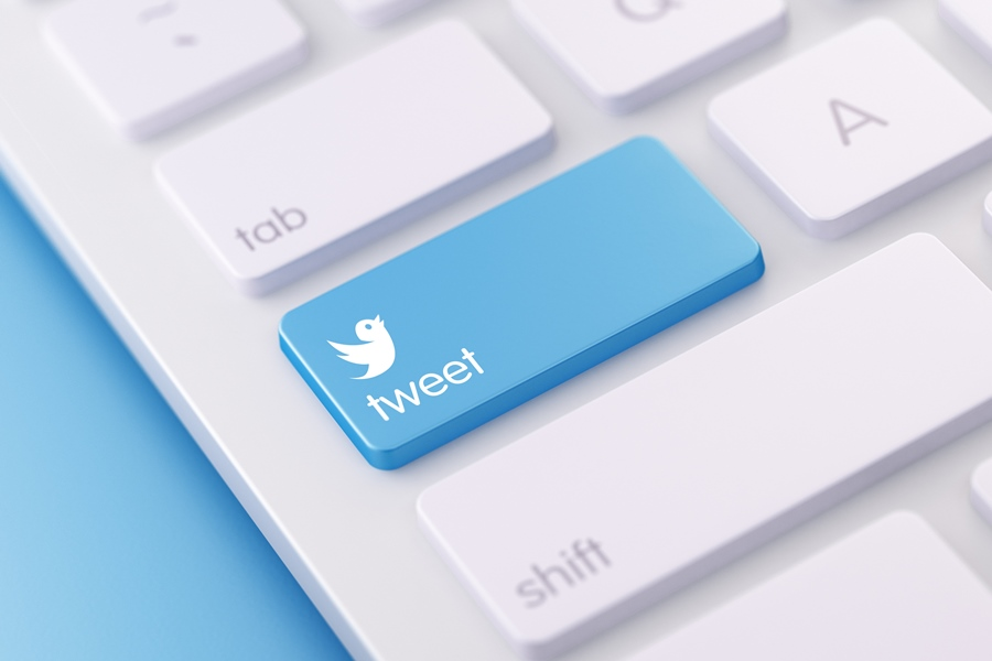 keyboard with tweet key